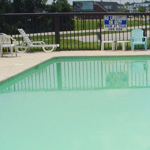 Outdoor Swimming Pool Travel Inn